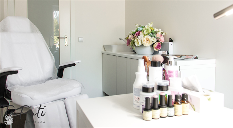 Ta Pati grožio studija - Kosmetologė Vaida